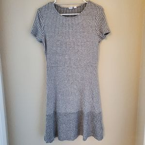 GAP Gray Short Sleeve Dress